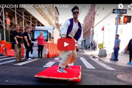 アラジンがマジックカーペットで街中を飛び回ってる!!
